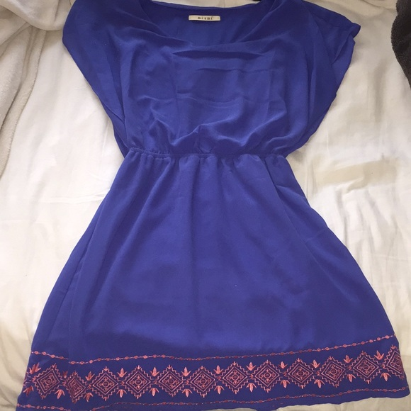 Francesca's Collections Dresses & Skirts - Francesca's flowy blue dress